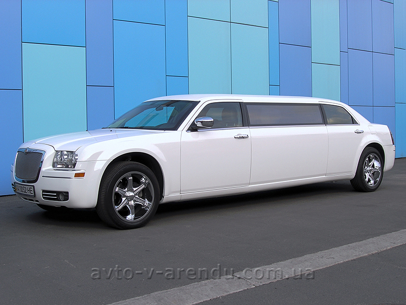 Прокат лимузина Chrysler 300C белый 7 мест